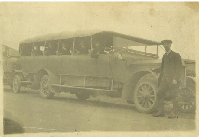 A local charabanc but not necessarily the one referred to in this report. | Mansfield Museum