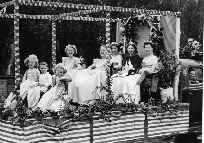 Queen Molly and retinue on float