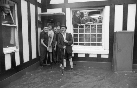 Mansfield Flood in a Pub!