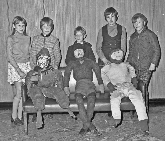 Granada Guy Fawkes Competion 1969   CHAD 34358