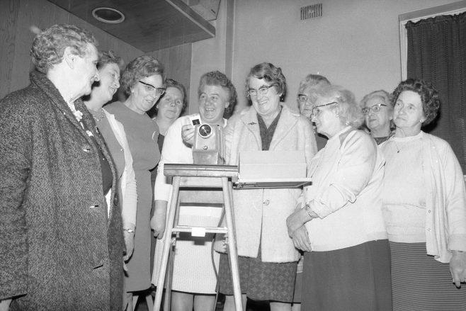 Clipstone - British Legion Ladies Section Group Meeting 1970   CHAD 36512-24