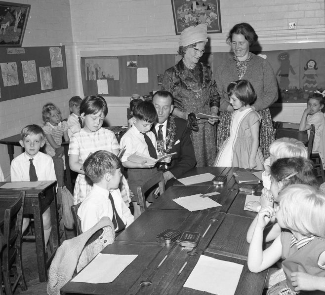 No 7 Broomhill Infants School Open Day 1964 | CHAD 7673