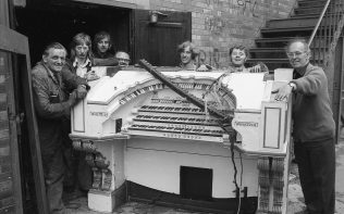 June 1973 Removing the Wurlitzer organ from the Granada | CHAD B+1894 A-B