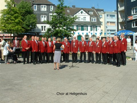 The choir in the market place in Heiligenhuis circa 2008 | Private collection