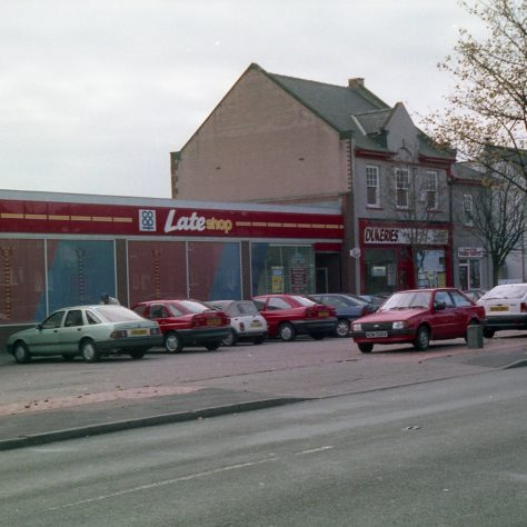 More cars parked outside Co-op supermarket, Mansfield Road. | Malcolm Marples