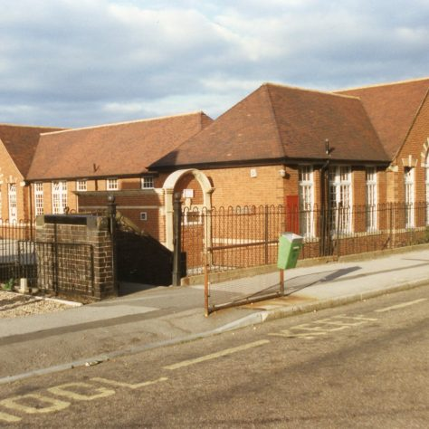 'Samuel Barlow' School on Church Road | Malcolm Marples