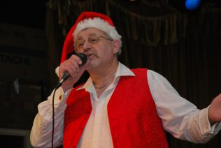 Andy Sissons entertaining the audience | Eddie Ramsdale