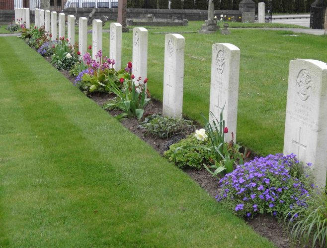 Some of the WW1 War Graves of soldiers who died at Clipstone Camp, these are cared for by the Commonwealth War Graves Commission | Pauline Marples