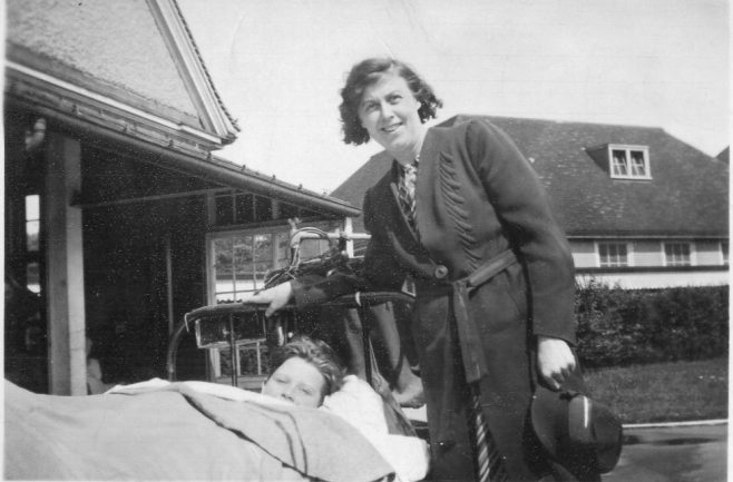 Visiting Harlow Wood Hospital | Lyn Tibby