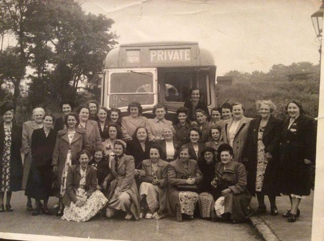 Ladies on Lord Byron trip to London