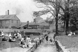 Children in Titchfield Park | Mansfield Museum