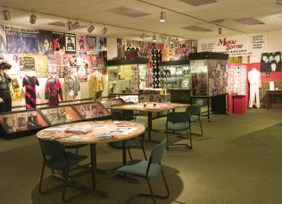 'Pop goes Mansfield' exhibition at Mansfield Museum