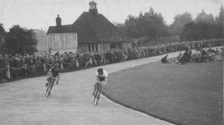Reg Harris on the track - note the crowds | P Marples Collection