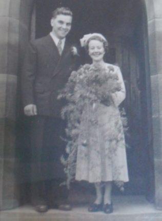 Wedding at St Lawrence's Church | Joan Cordall