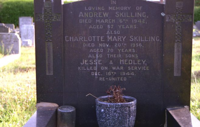 Jessie & Hedley Skilling - Extended Churchyard | P Marples
