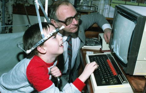 Roy Hudd visits Harlow Wood Orthopeadic Hospital
