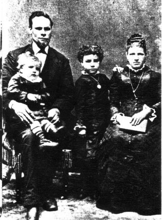 Harriet Hanford, her husband William Noyce and two of her children